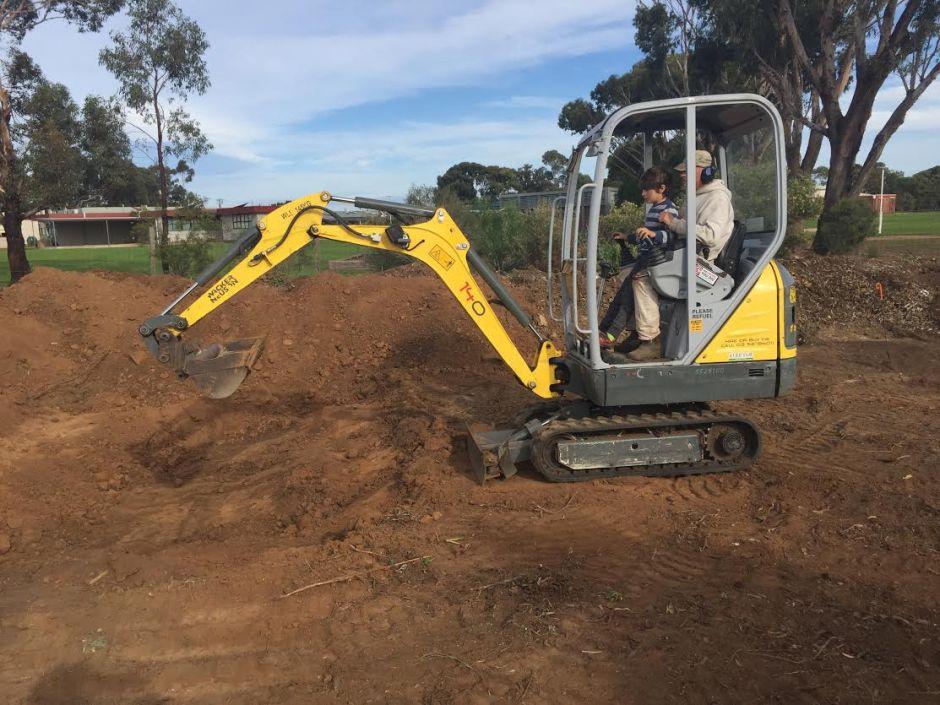 Excavator with Markus
